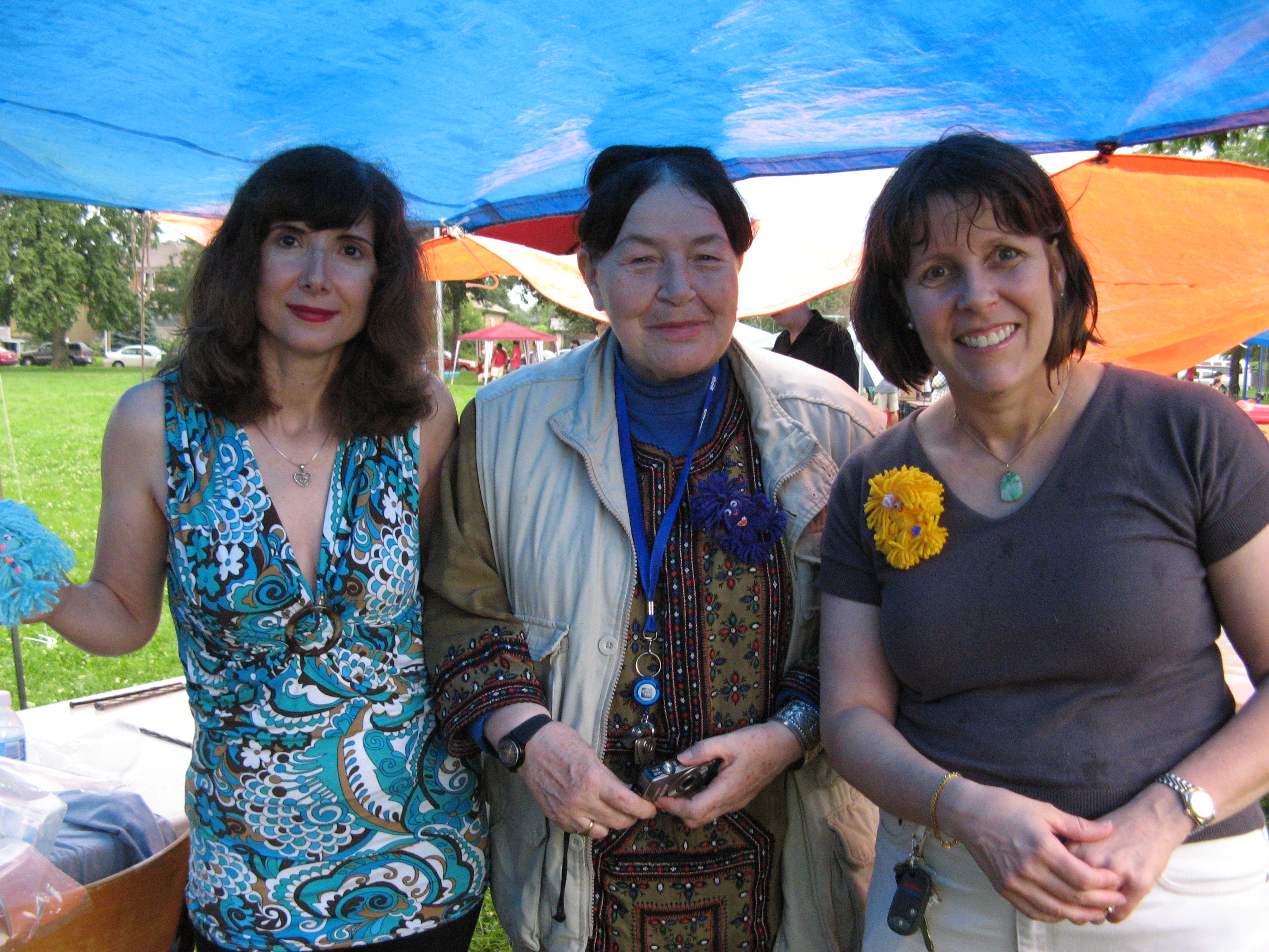 Mary, Olga Thompson and Wendy Wong Books in the Park